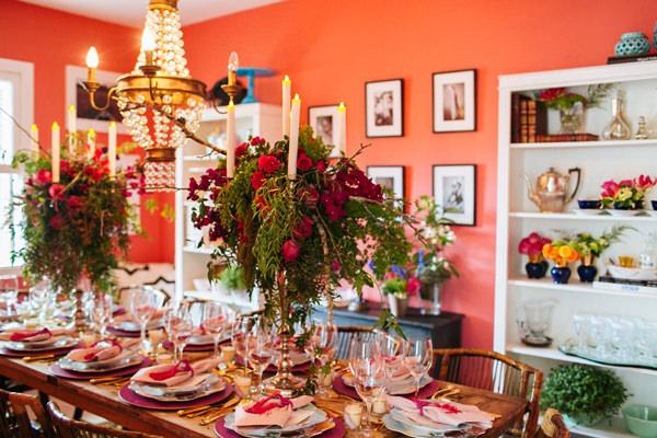 Mesa posta rústica e colorida