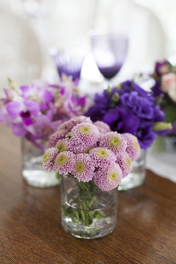 decoracao-mesa-de-pascoa-almoco-em-tons-de-violeta-e-rosa-provence-11