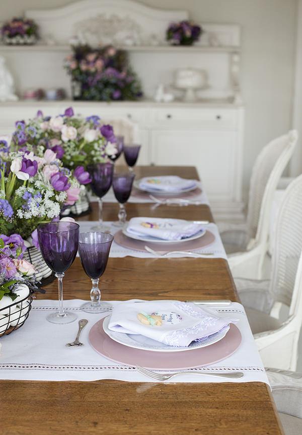 decoracao-mesa-de-pascoa-almoco-em-tons-de-violeta-e-rosa-provence-5