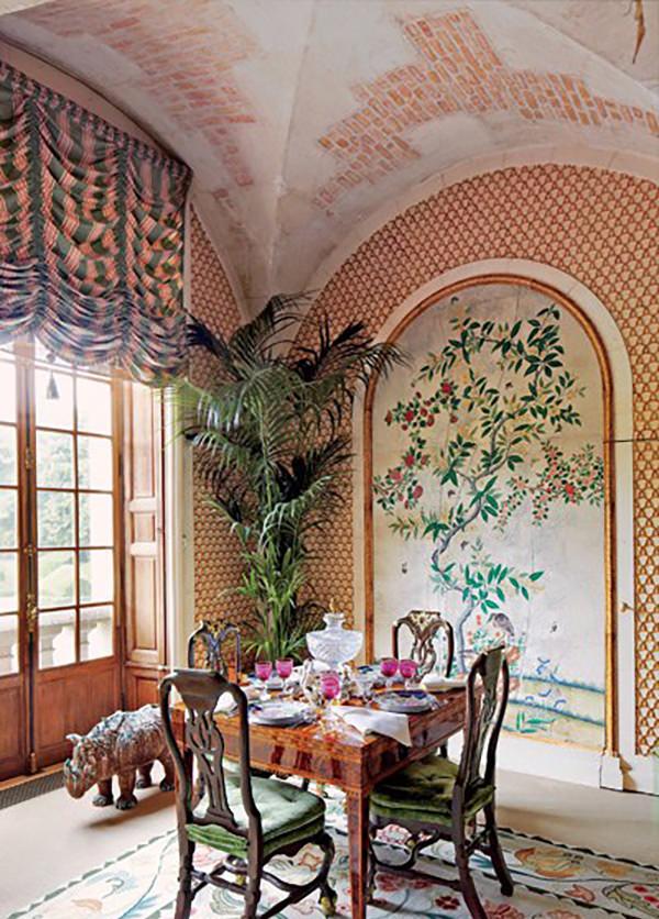 dam-images-celebrity-homes-2013-celebrity-dining-rooms-celebrity-dining-rooms-04-valentino-1
