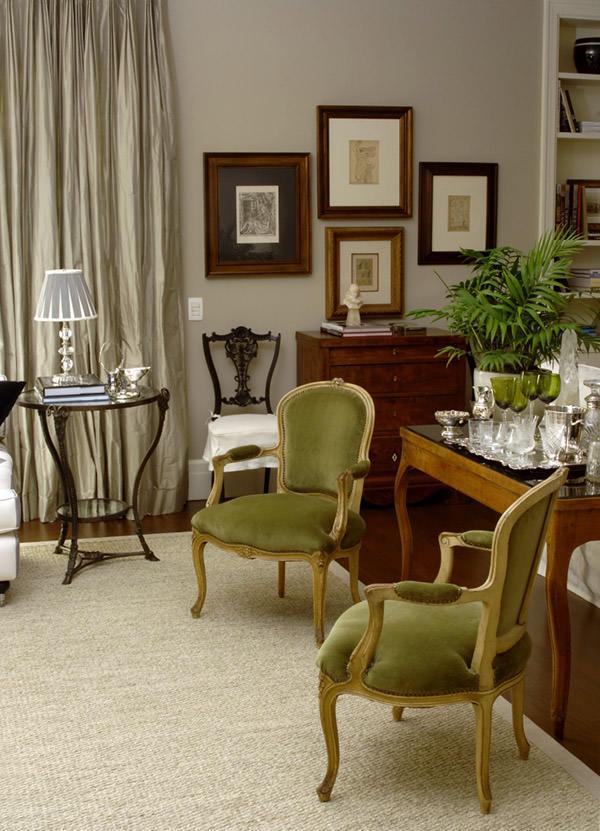 Decoração clássica e aconchegante em apartamento